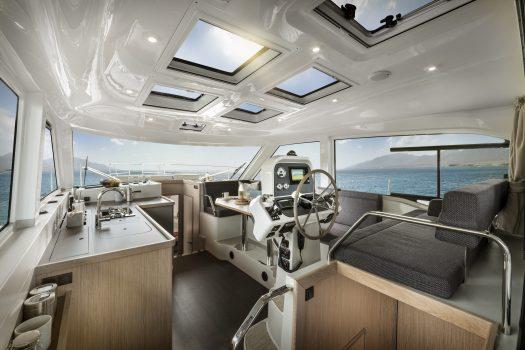 яхта Bavaria E40