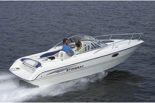 яхта Stingray 220 CS